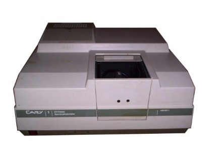 Double-beam UV-VIS-spectrophotometer
